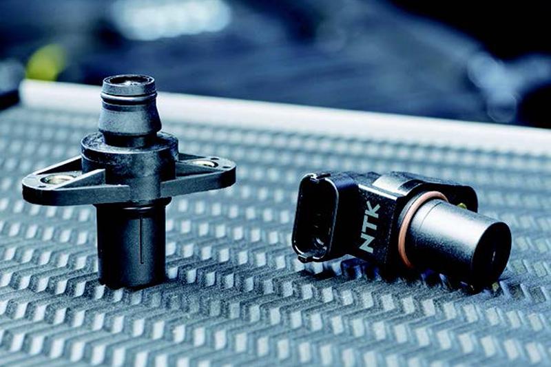 Camshaft and crankshaft sensors